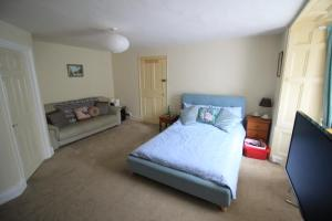 A bed or beds in a room at Gilderdale
