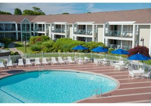 The swimming pool at or close to Hyannis Harbor Hotel