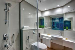 Un baño de Al Khoory Inn Bur Dubai