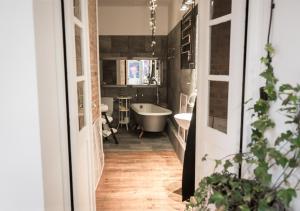 Łazienka w obiekcie Loft z Baldachimem