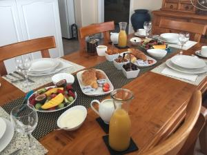 Breakfast options available to guests at Brezza Bella Boutique Bed & Breakfast
