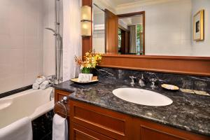 A bathroom at Treetops Executive Residences (SG Clean)