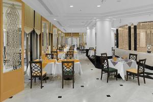 مطعم أو مكان آخر لتناول الطعام في Makkah Towers