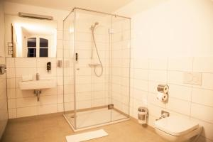 A bathroom at Hotel Specht