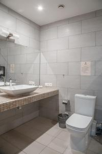 A bathroom at Hotel Vidnoff