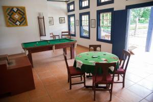 Mesa de bilhar em Hotel Solar dos Montes