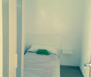 A bed or beds in a room at Apartamento Mataro