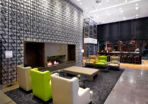 The lounge or bar area at DoubleTree by Hilton Zagreb