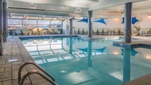 The swimming pool at or near Atlantic Oceanside Hotel & Conference Center