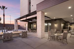 A restaurant or other place to eat at Homewood Suites By Hilton Las Vegas City Center