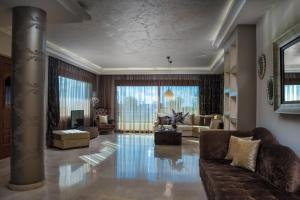 A seating area at Callista Luxury Residences