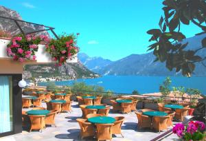 A restaurant or other place to eat at Hotel Ilma