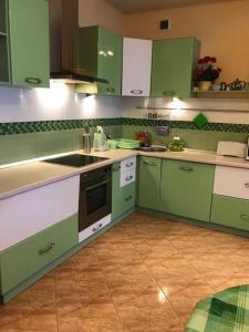 Кухня или мини-кухня в Bungalow na Bannom