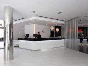 Hall o reception di Hotel & Spa Villa Olimpica Suites
