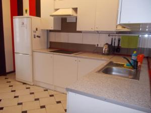 Кухня или мини-кухня в Подмосковный бульвар 12