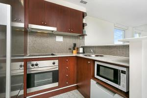 A kitchen or kitchenette at Apartment Military Road MPOLE