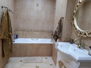 Ванная комната в Apartment on Gagarina street