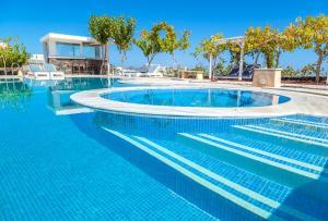 Πισίνα στο ή κοντά στο Santorini Mesotopos