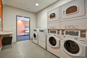 A kitchen or kitchenette at Home2 Suites By Hilton Rock Hill
