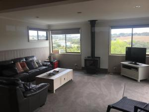 A seating area at Springvalley Views Torquay