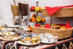 Breakfast options available to guests at Apartamenty Sun & Snow Resorts Lipki Park