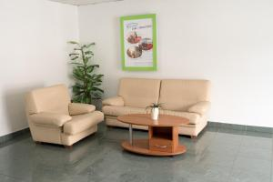 A seating area at Motel Grc Zapolje