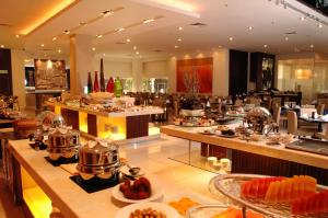 A restaurant or other place to eat at Seri Pacific Hotel Kuala Lumpur