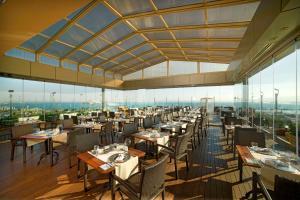 مطعم أو مكان آخر لتناول الطعام في Radisson President Beyazit Istanbul