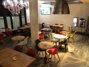 Restaurant ou autre lieu de restauration dans l'établissement ibis budget Annecy Poisy