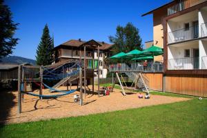 Ein Kinderspielbereich in der Unterkunft Hotel Gasthof Adler