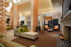 The lobby or reception area at Hilton Garden Inn Wilkes-Barre
