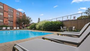 The swimming pool at or near Best Western Plus Ottawa City Centre