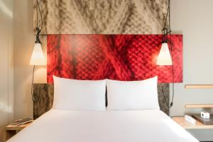 A bed or beds in a room at ibis Manchester Centre Princess Street