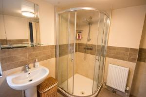 A bathroom at Fryatt Hotel & Bar