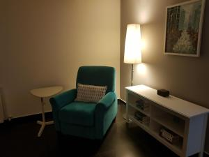 A seating area at Nicosia Center Cozy Short Stays
