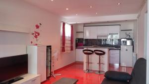 A kitchen or kitchenette at Apartments Galli