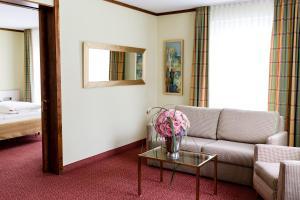 Ein Sitzbereich in der Unterkunft Bad Hotel Bad Überkingen