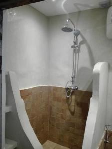 Salle de bains dans l'établissement Riad Dar Mchicha
