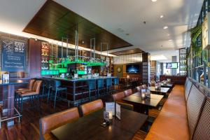 A restaurant or other place to eat at Courtyard by Marriott Amsterdam Airport