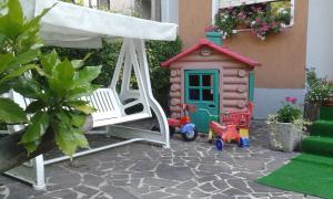 Area giochi per bambini di Albergo Miramonti