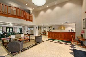 The lobby or reception area at Wingate by Wyndham Vineland