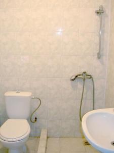 A bathroom at Albatross