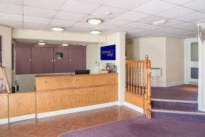 The lobby or reception area at Redwings Lodge Solihull