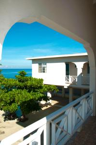 A balcony or terrace at Alvynegril Guest House