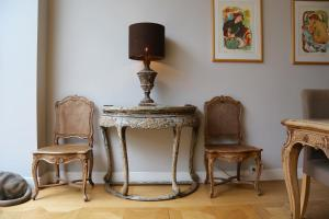 A seating area at Keizersgracht Residence