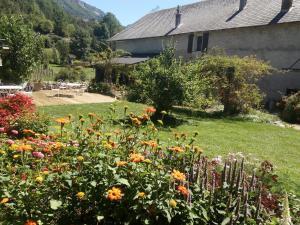 A garden outside Le Colombier