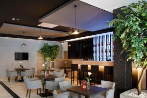 Restauracja lub miejsce do jedzenia w obiekcie Czarny Staw