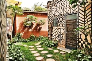 A garden outside Maison d'hôtes Chez Giuliana