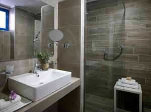 Ein Badezimmer in der Unterkunft Lindia Thalassa