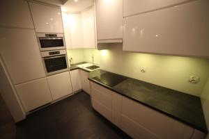 A kitchen or kitchenette at Apartament No.5